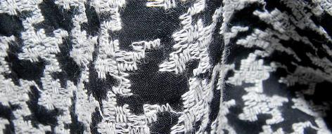 千鳥格子柄の刺繍のウール