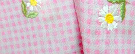 小花刺繍の入ったギンガムチェック綿ローン