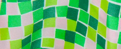 マリメッコの四角いプリントのシルク