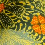 グレーの鳥柄の綿更紗