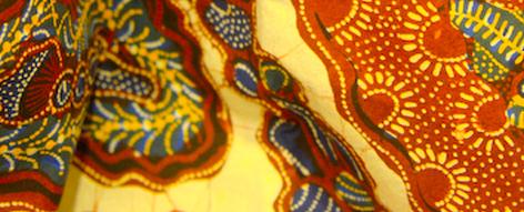白地に茶の柄の綿更紗