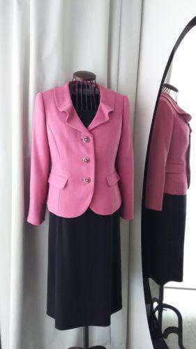 落ち着いたピンクのジャケット